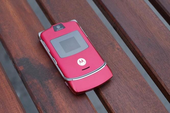 Những mẫu điện thoại di động thập kỷ trước có thiết kế đẹp hơn cả smartphone hiện tại ảnh 3