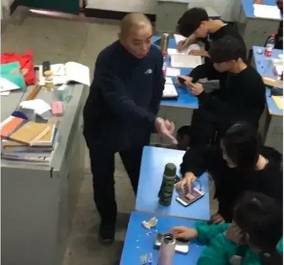 """Giáo sư ĐH Bắc Kinh đề xuất giáo dục bắt buộc 10 năm,""""hủy bỏ kỳ thi THPT"""", Bộ Giáo dục lên tiếng ảnh 3"""