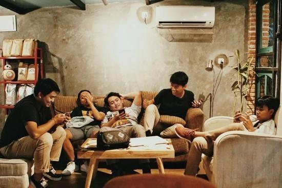 Sau kỳ nghỉ Quốc khánh, tại sao người trẻ TQ bắt đầu từ bỏ Bắc Kinh, Thượng Hải và Quảng Châu? ảnh 1
