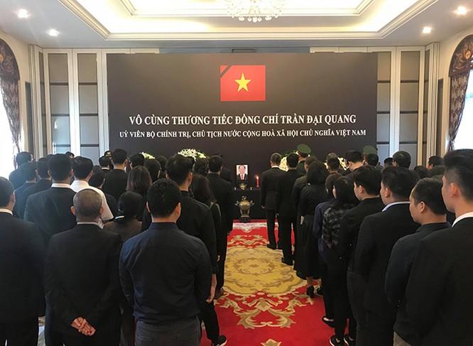Lễ viếng Chủ tịch nước Trần Đại Quang tại các nước ảnh 15