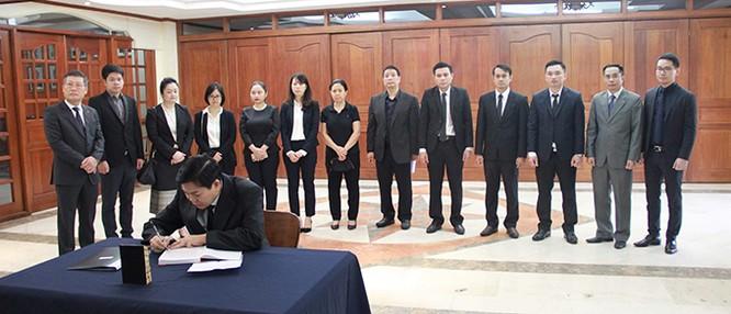 Lễ viếng Chủ tịch nước Trần Đại Quang tại các nước ảnh 19
