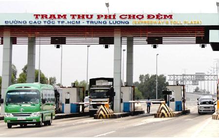 Bắt tạm giam Vũ Thị Hoan, nguyên Giám đốc Công ty Yên Khánh và khởi tố hai Đại tá quân đội