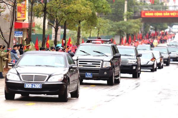 Nhập cảnh Việt Nam bằng tàu hỏa, ông Kim Jong-un đi Mercedes S600 về Hà Nội ảnh 1