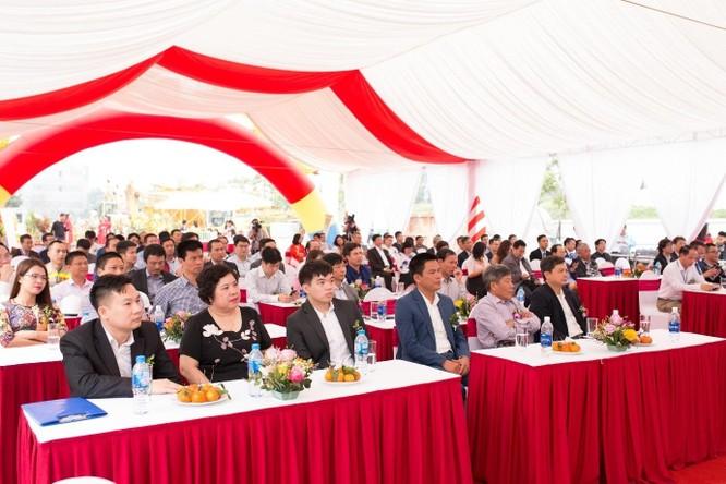 Công ty mẹ của Vinaconex đổi Tổng Giám đốc: SN 1994 và là con trai ông Nguyễn Xuân Đông? ảnh 1