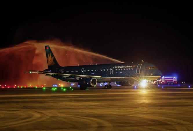 Sân bay Vân Đồn lần đầu đón chuyến bay quốc tế của hàng không Việt Nam ảnh 1