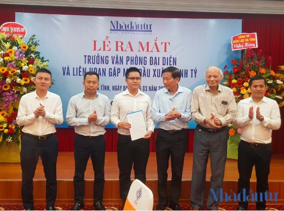 Nhà báo Võ Tá Quỳnh làm Trưởng VPĐD Bắc Trung Bộ của Tạp chí Nhà Đầu Tư ảnh 2