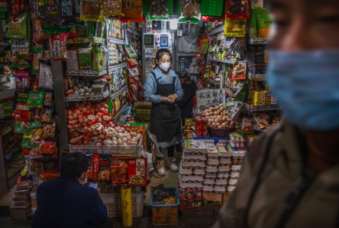 Trung Quốc có thể đã ngăn chặn virus corona, nhưng với cái giá quá đắt ảnh 2