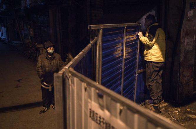 Trung Quốc có thể đã ngăn chặn virus corona, nhưng với cái giá quá đắt ảnh 4