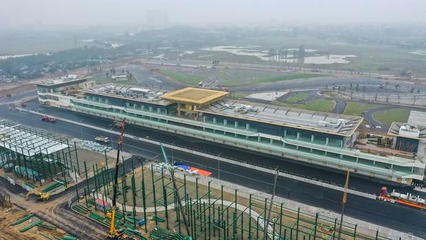 Chặng F1 Việt Nam bị hoãn để lại hậu quả kinh tế khổng lồ ảnh 1