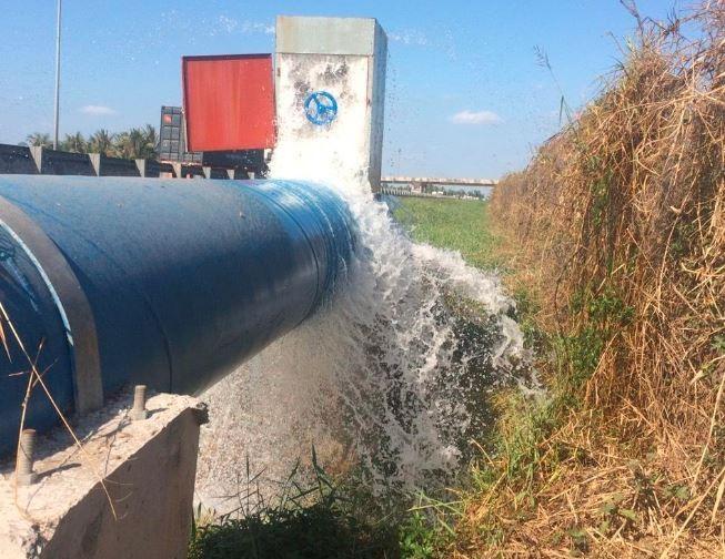 """Long An: NMN Nhị Thành """"bơm"""" gần 800.000 m3 nước ứng cứu nông nghiệp ảnh 1"""
