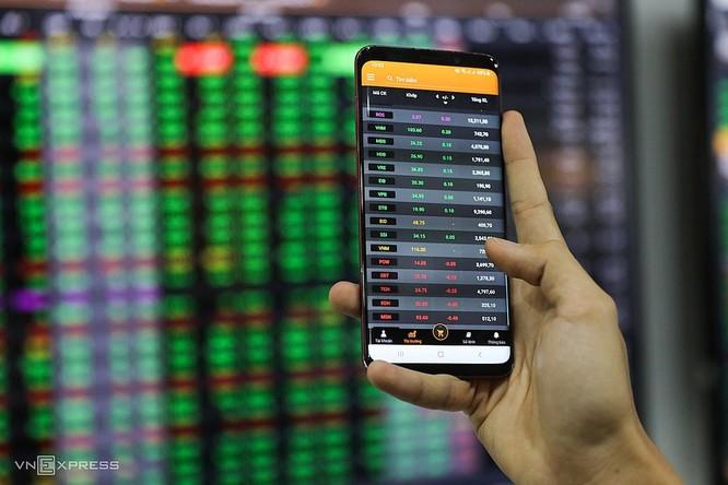 Cổ phiếu Sacombank – ván bài hạ màn ảnh 1