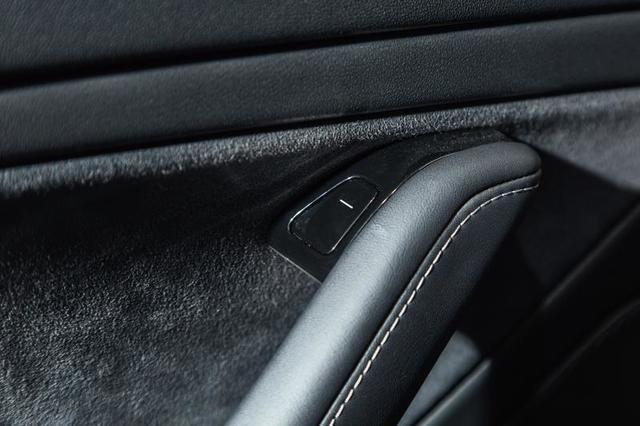 Nội thất độc nhất vô nhị của Tesla Model 3 ảnh 8