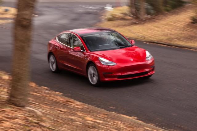 Nội thất độc nhất vô nhị của Tesla Model 3 ảnh 1
