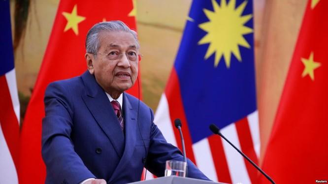 """Ông Mahathir kiên quyết yêu cầu Trung Quốc dỡ bỏ """"Trường thành"""" ở Malaysia ảnh 1"""