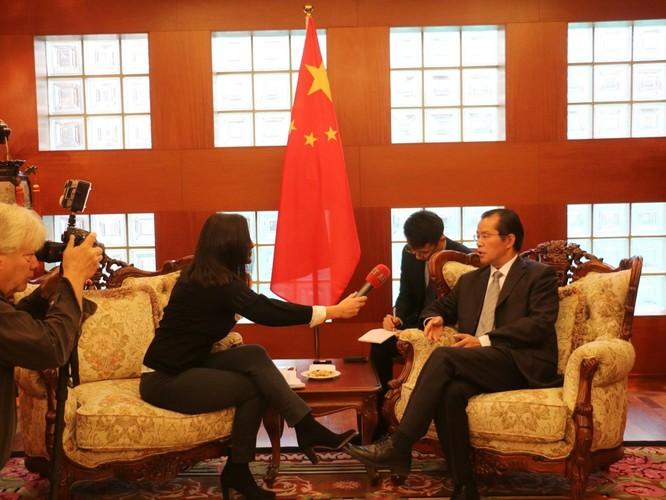 """Du khách Trung Quốc """"quậy"""" gây rắc rối ngoại giao với Thụy Điển ảnh 2"""