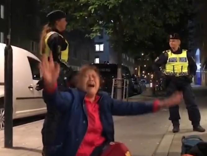 """Du khách Trung Quốc """"quậy"""" gây rắc rối ngoại giao với Thụy Điển ảnh 3"""
