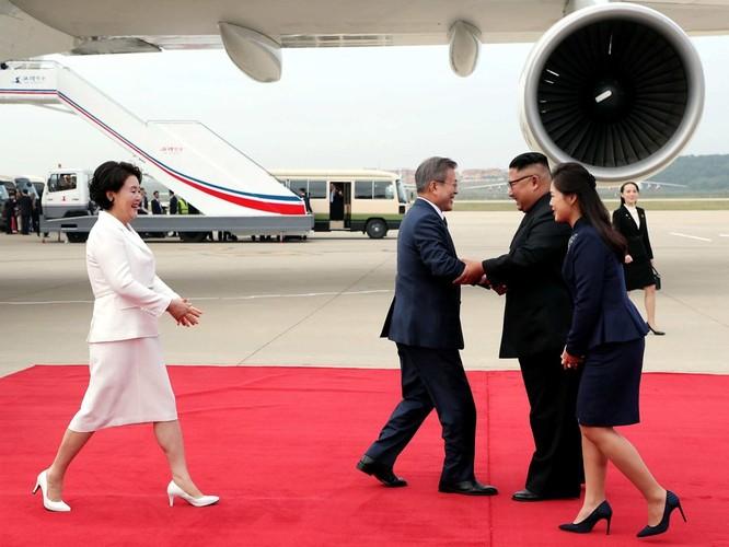 Bất ngờ trong lễ đón Tổng thống Moon Jae In tại Bình Nhưỡng ảnh 3