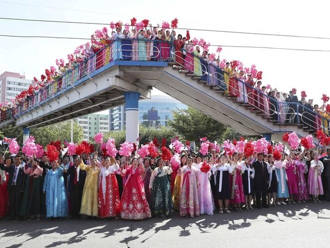 Bất ngờ trong lễ đón Tổng thống Moon Jae In tại Bình Nhưỡng ảnh 10