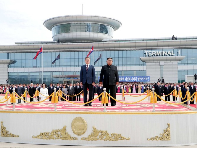 Bất ngờ trong lễ đón Tổng thống Moon Jae In tại Bình Nhưỡng ảnh 5