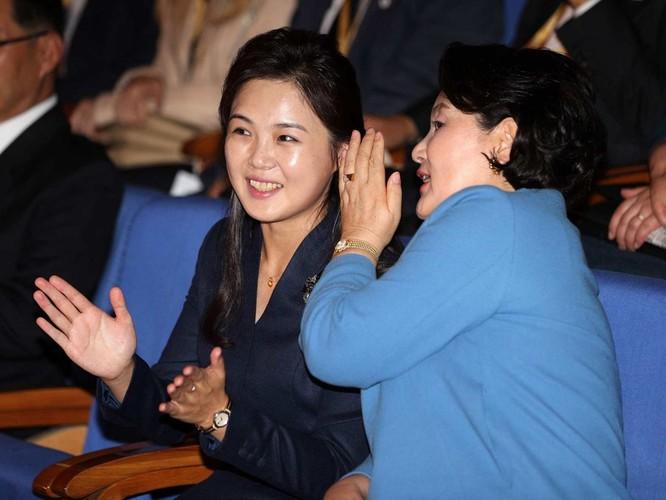 Lãnh đạo hai miền Triều Tiên ký tuyên bố lịch sử chấm dứt chiến tranh trên bán đảo ảnh 2
