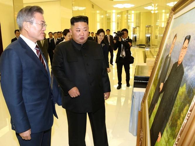 Lãnh đạo hai miền Triều Tiên ký tuyên bố lịch sử chấm dứt chiến tranh trên bán đảo ảnh 4
