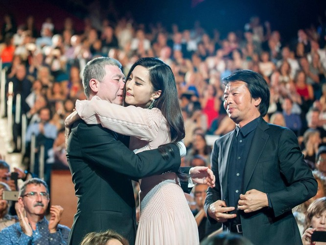 Kết thúc vụ bê bối trốn thuế, ngôi sao Phạm Băng Băng phải nộp gần 130 triệu USD ảnh 3
