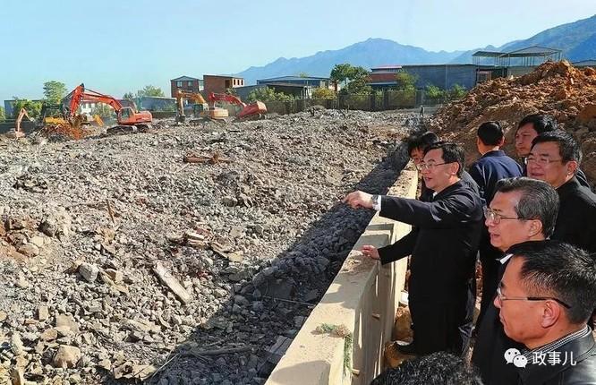 """Xây dựng trái phép trên """"Long mạch"""", hàng loạt quan chức Trung Quốc ngã ngựa ảnh 2"""