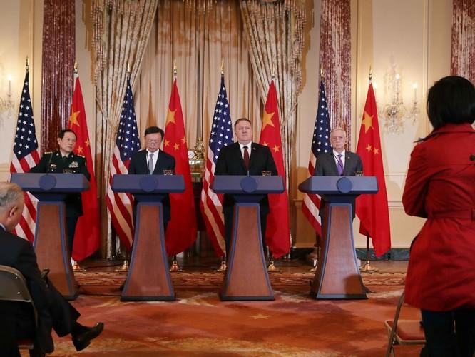 Đối thoại Mỹ - Trung lần 2: Washington khăng khăng Bắc Kinh phải ngừng quân sự hóa Biển Đông ảnh 1