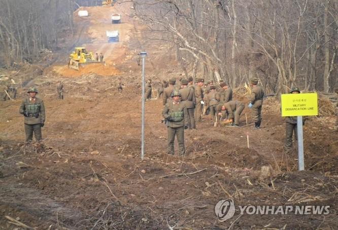 Triều Tiên cho nổ chốt gác, cải thiện quan hệ với Hàn Quốc ảnh 1