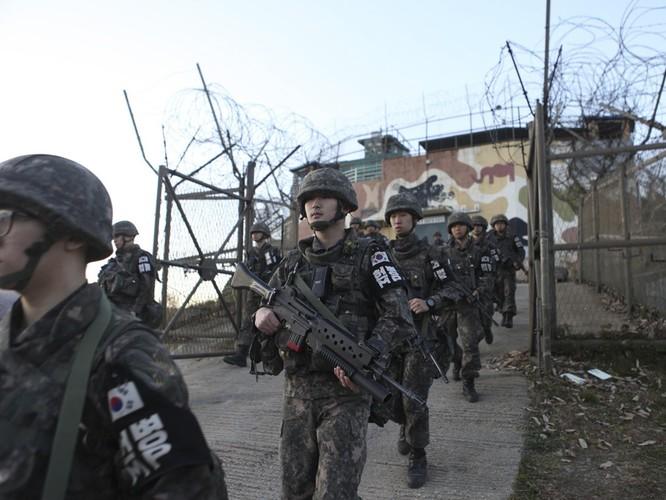 Triều Tiên cho nổ chốt gác, cải thiện quan hệ với Hàn Quốc ảnh 7