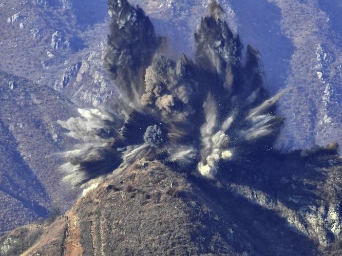 Triều Tiên cho nổ chốt gác, cải thiện quan hệ với Hàn Quốc ảnh 4