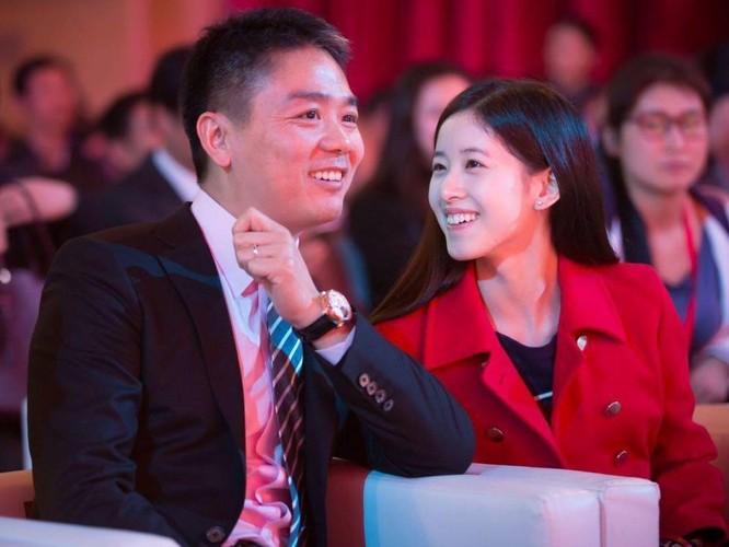 Vụ án tỷ phú Lưu Cường Đông kết thúc: bị gái gài bẫy, không khởi tố nhưng thân bại danh liệt ảnh 3