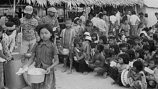 """Bài 2: Thủ đoạn duy nhất của Khmer Đỏ là mệnh lệnh của """"Angkar"""" và súng AK-47 ảnh 3"""