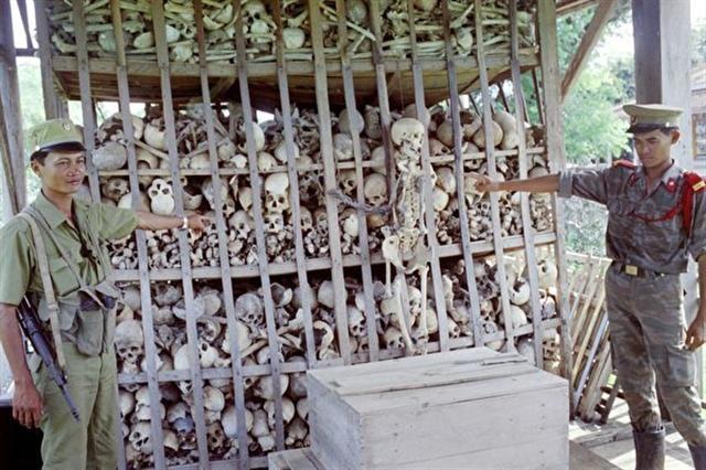 """Bài 2: Thủ đoạn duy nhất của Khmer Đỏ là mệnh lệnh của """"Angkar"""" và súng AK-47 ảnh 6"""