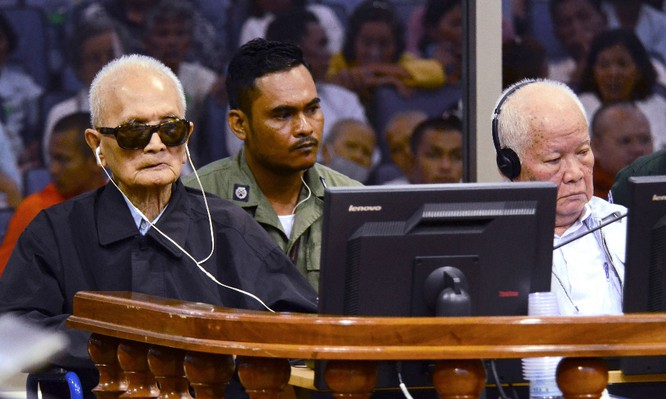 """Bài 2: Thủ đoạn duy nhất của Khmer Đỏ là mệnh lệnh của """"Angkar"""" và súng AK-47"""