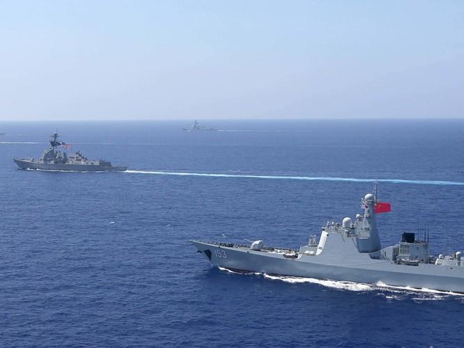Mỹ áp sát tàu chiến tại Hoàng Sa vào lúc bắt đầu đàm phán thương mại, Trung Quốc tức giận ảnh 1