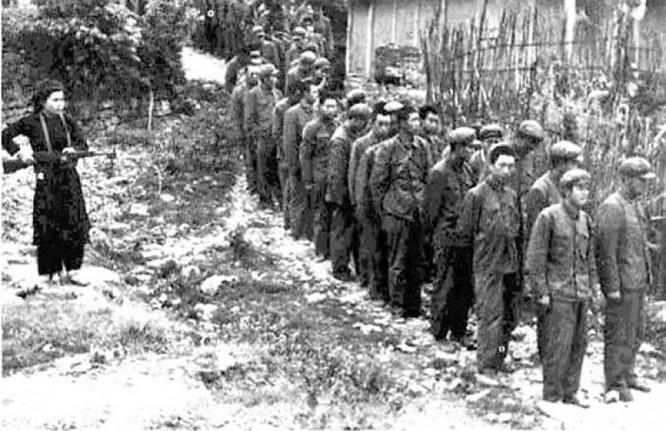 Dư luận Trung Quốc nói về Chiến tranh Tháng 2 năm 1979: Đầu hàng tập thể - Sự ô nhục chưa từng có trong lịch sử Trung Quốc (Phần 4) ảnh 4