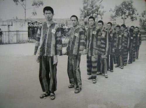 Dư luận Trung Quốc nói về Chiến tranh Tháng 2 năm 1979: Đầu hàng tập thể - Sự ô nhục chưa từng có trong lịch sử Trung Quốc (Phần 4) ảnh 3