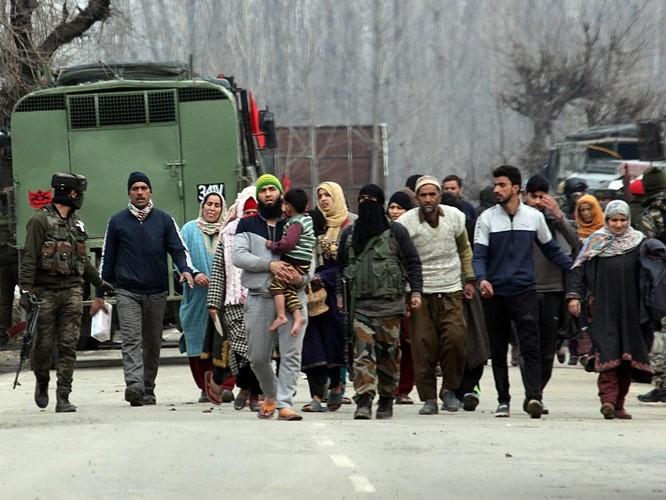 Ấn Độ và Pakistan lại ở bên bờ vực xung đột vũ trang ảnh 3