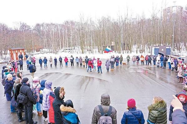 Người Nga rầm rộ biểu tình phản đối công ty Trung Quốc, bảo vệ hồ Baikal ảnh 3