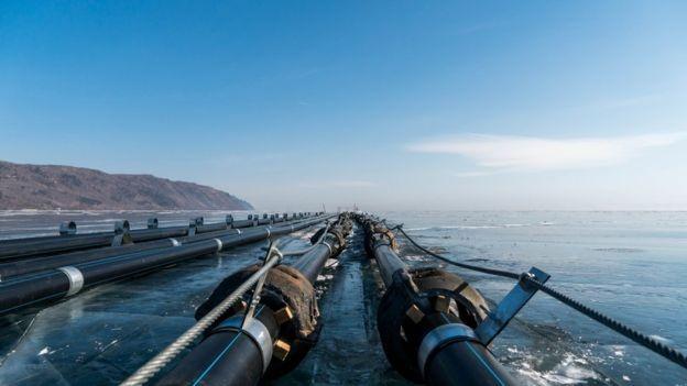 Người Nga rầm rộ biểu tình phản đối công ty Trung Quốc, bảo vệ hồ Baikal ảnh 2