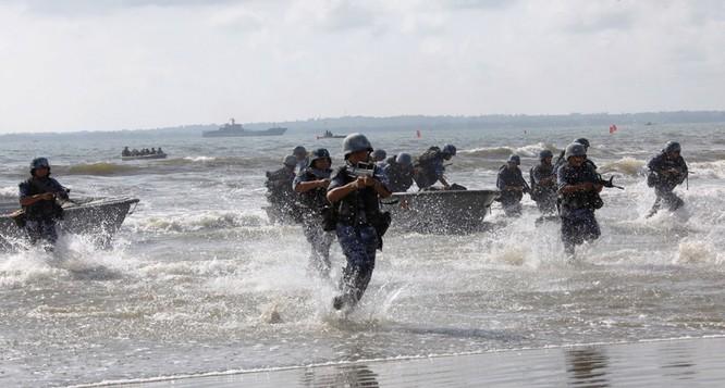 Trung Quốc nâng cấp biên chế lính thủy đánh bộ từ lữ đoàn lên cấp quân đoàn ảnh 1