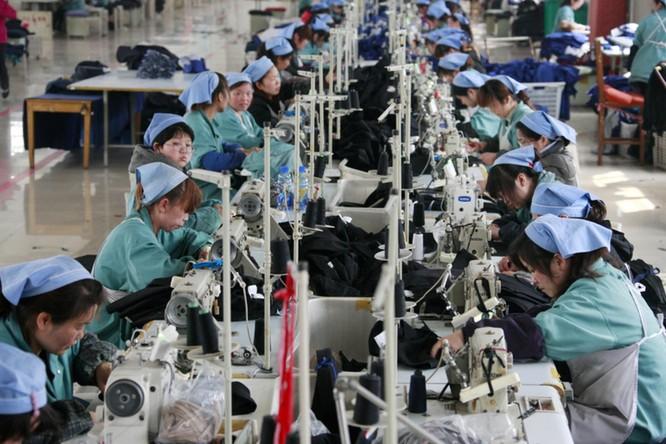 Do tác động của chiến tranh thương mại, viễn cảnh kinh tế Trung Quốc trở nên bi quan ảnh 2
