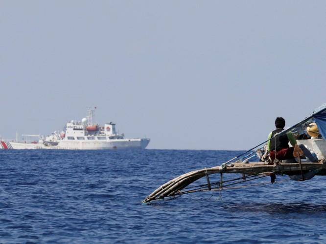 """Trung Quốc: Vụ đâm chìm tàu cá Philippines là """"sự cố ngoài ý muốn"""", không nên """"chính trị hóa"""" ảnh 2"""