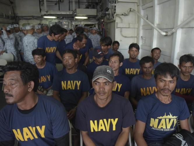 Vụ tàu Trung Quốc đâm chìm tàu Philippines: Viện trưởng Ngô Sĩ Tồn muốn đổ vấy cho tàu Việt Nam ảnh 8