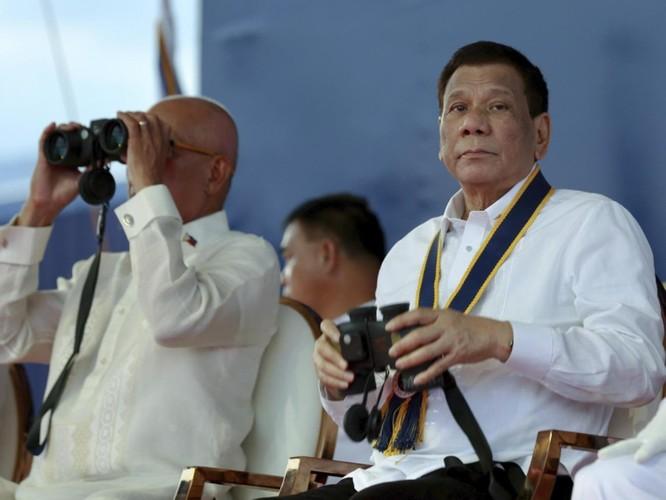 Vụ tàu Trung Quốc đâm chìm tàu Philippines: Viện trưởng Ngô Sĩ Tồn muốn đổ vấy cho tàu Việt Nam ảnh 10