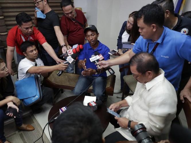 Vụ tàu Trung Quốc đâm chìm tàu Philippines: Viện trưởng Ngô Sĩ Tồn muốn đổ vấy cho tàu Việt Nam ảnh 4