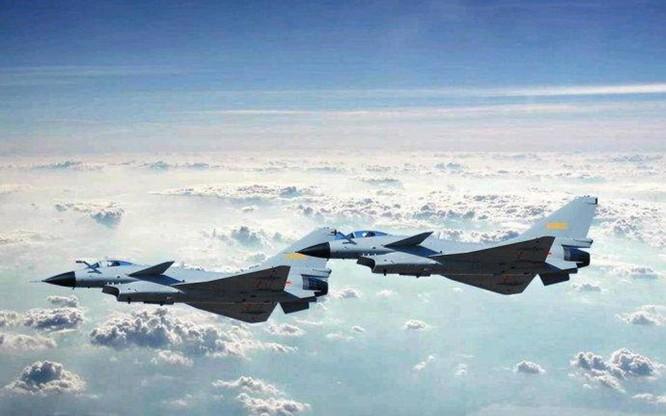 Trung Quốc đưa biên đội tàu sân bay Liêu Ninh xuống Trường Sa và bố trí 4 máy bay J-10 ở đảo Phú Lâm, Hoàng Sa ảnh 2