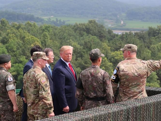Hình ảnh cuộc gặp lịch sử Donald Trump – Kim Jong Un tại Khu phi quân sự Hàn – Triều ảnh 11