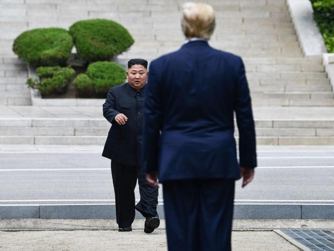 Hình ảnh cuộc gặp lịch sử Donald Trump – Kim Jong Un tại Khu phi quân sự Hàn – Triều ảnh 1
